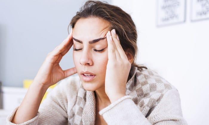 Симптомом гипертонии могут быть постоянные головные боли